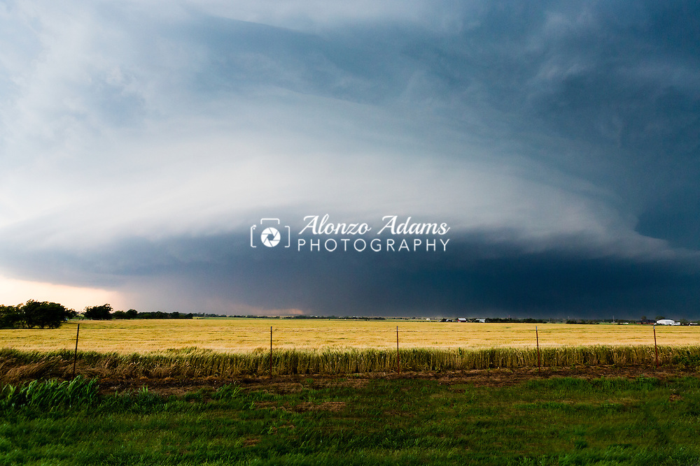 A large supercell thunderstorm over El Reno, Okla. on May 31, 2013. (Photo copyright © 2013 Alonzo J. Adams)