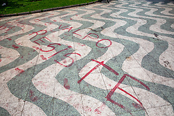 Resist Tag, Plaza Victoria
