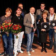 NLD/Hilversum/20101124 - Uitreiking boek 50 jaar Edison, de geschiedenis van de Muziekprijs, Rob de Nijs, Marco Borsato, samenstellers, Rita Reys, 3 J' s