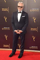 Bradley Whitford bei der Ankunft zur Verleihung der Creative Arts Emmy Awards in Los Angeles / 110916 <br /> <br /> *** Arrivals at the Creative Arts Emmy Awards in Los Angeles, September 11, 2016 ***
