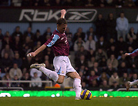 Photo: Olly Greenwood.<br />West Ham United v Manchester City. The Barclays Premiership. 30/12/2006. West Ham's Teddy Sheringham just misses the goal