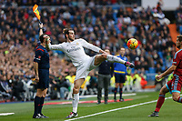 Real Madrid´s Gareth Bale and Real Sociedad´s Inigo Martinez during La Liga match between Real Madrid and Real Sociedad at Santiago Bernabeu stadium in Madrid, Spain. December 30, 2015. (ALTERPHOTOS/Victor Blanco)