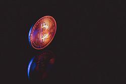 THEMENBILD - Bitcoin Münze. Bitcoin ist eine Kryptowährung auf Basis eines dezentral organisierten Buchungssystems. Zahlungen werden kryptographisch legitimiert und über ein Netz gleichberechtigter Rechner abgewickelt. Anders als im klassischen Banksystem üblich ist kein zentrales Clearing der Geldbewegungen notwendig, aufgenommen am 11. März 2021 in Österreich // Bitcoin is a cryptocurrency based on a decentrally organized booking system. Payments are cryptographically legitimized and processed via a network of computers with equal rights. Unlike in the classic banking system, no central clearing of money movements is necessary, taken on 2021/03/11 in Austria. EXPA Pictures © 2021, PhotoCredit: EXPA/ JFK