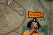 Belo Horizonte_MG, Brasil...Apresentacao do espetaculo GASTRONO_MICO, do Grupo de Teatro Armatrux, em um hospital...The spectacle presentation GASTRONO_MICO, of Armatrux group in the hospital...Foto: BRUNO MAGALHAES /  NITRO