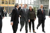 """13 APR 2005, BERLIN/GERMANY:<br /> Gerhard Schroeder, SPD Bundeskanzler, Renate Schmidt, SPD, Bundesfamilienministerin, und Dieter Hundt, Praesident Bundesvereinigung der Deutschen Arbeitgeberverbaende, BDA, und Michael Endres, Vorstandsvorsitzender der Hertie-Stiftung, (v.L.n.R.), nach Schroeders Ankunft zur Konferenz """"Familie - ein Erfolgsfaktor fuer die Wirtschaft"""", Haus der Deutschen Wirtschaft<br /> IMAGE: 20050413-02-013<br /> KEYWORDS: Gerhard Schröder"""