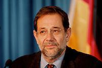 05 FEB 1998, BONN/GERMANY:<br /> Javier Solana, NATO Generalsekretär, Gespräch im Auswärtigen Amt<br /> IMAGE: 19980205-02/01-05