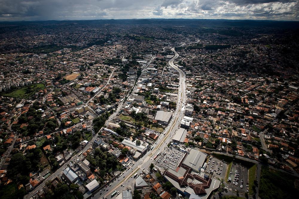 Belo Horizonte_MG, Brasil...Imagem aerea da avenida Vilarinho em Venda Nova, Belo Horizonte, Minas Gerais...Aerial view of Vilarinho avenue in Venda Nova neighborhood in Belo Horizonte, Minas Gerais...Foto: BRUNO MAGALHAES / NITRO