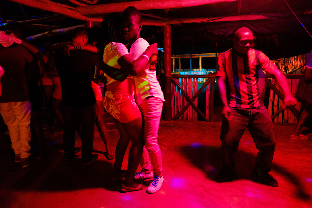 People dancing in one discotheque in Príncipe island