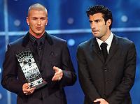 Fotball: 17.12.2001 Zürich, Schweiz,<br />David Beckham und Luis Figo nach Figos Wahl zum Weltfussballer der Jahres am Montag (17.12.2001) bei der FIFA-World Player Gala in Zürich. <br /><br />Foto:  ANDY MüLLER, Digitalsport