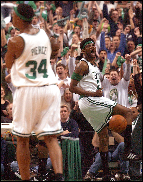 (4/24/03 Boston, MA) Boston Celtics vs Indiana Pacers. Walter McCarty celebrates his 3rd Q jam. (042403celtsmjs-staff photo  by Michael Seamans. Saved in photo Friday/cd.)