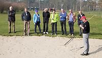 VOORTHUIZEN - bunker. opleiding Regelcommissaris (clubreferee)  van de NGF (Nederlandse Golf Federatie). FOTO KOEN SUYK