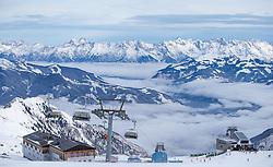 THEMENBILD - Bundessport und Freizeitzentrum und Gletscherjet 2 Bergstation vor dem Bergpanorama, aufgenommen am 15. Januar 2015 am Kitzsteinhorn, Kaprun, Österreich. EXPA Pictures © 2014, PhotoCredit: EXPA/ JFK