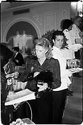 Mrs Andrew Sinclair. PHAB Charity fashion show. May fair, intercontinental hotel, 8/5/86© Copyright Photograph by Dafydd Jones 66 Stockwell Park Rd. London SW9 0DA Tel 020 7733 0108 www.dafjones.com