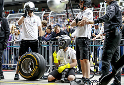 June 28, 2018 - Spielberg, Austria - Motorsports: FIA Formula One World Championship 2018, Grand Prix of Austria, .. Mechanicians of Mechanicians during pit stop training  (Credit Image: © Hoch Zwei via ZUMA Wire)