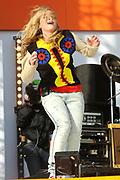 Koninginnedag 2008 - Museumplein Amsterdam STAGE.<br /> <br /> Het grootste Koninginnedag bijeenkmost op het Museumplein in Amsterdam georganiseerd door Radio 538.<br /> <br /> Op de foto:  Anouk