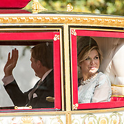 NLD/Den Haag/20170919 - Prinsjesdag 2017, Koningin Maxima in de glazen koets
