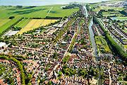 Nederland, Noord-Holland, Edam, 05-08-2014; centrum Edam met Nieuwe Haven en Oorgat richting IJsselmeer en  Fort bij Edam.<br /> Historical village Edam.<br /> luchtfoto (toeslag op standard tarieven);<br /> aerial photo (additional fee required);