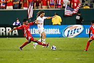 July 18 2009: Manuel Torres of Panama goes against Kyle Beckerman of USA during the game between USA and Panama. The United States defeated Panama 2-1 in added extra time in a CONCACAF Gold Cup quarter-final match at Lincoln Financial Field in Philadelphia, Pennsylvania.