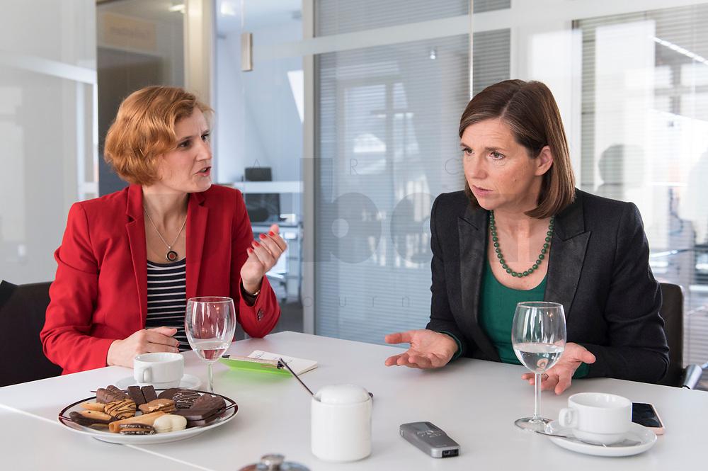 15 OCT 2019, BERLIN/GERMANY:<br /> Katja Kipping (L), Die Linke, Prteivorsitzende, und Katrin Goering-Eckardt (R), B90/Gruene, Fraktionsvorsitzende, wahrend einem Doppeninterview, Hauptstadtredaktion Rheinsche Post<br /> IMAGE: 20191015-01-004<br /> KEYWORDS: Göring-Eckardt