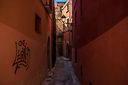 alley in the old town of Tarragona