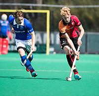 ROTTERDAM - Ties Ceulemans (Kampong) met Joep de Mol (Oranje-Rood)  tijdens de wedstrijd om de derde plaats , Kampong- Oranje Rood , bij de ABN AMRO cup. COPYRIGHT KOEN SUYK