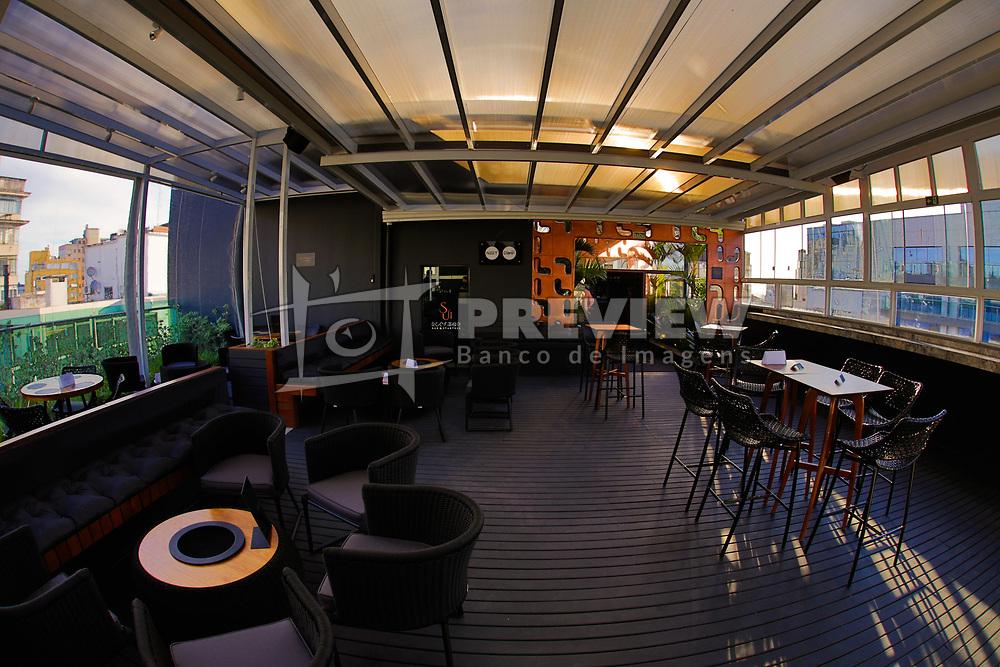 Público convidado para Sui Rooftop no Hotel Laghetto Viverone - Moinhos, na quinta-feira 06/10/208. FOTO: Cesar Lopes/ Agência Preview