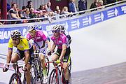 Pim Ligthart (2e links) en Jasper de Buyst lossen elkaar af tijdens de koppelkoers. In Amsterdam vindt de Zesdaagse van Amsterdam plaats, een groots wielerevenement in het velodrome.<br /> <br /> Pim Ligthart (2nd left) and team member Jasper de Buyst at the Six Days of Amsterdam, a major cycling event in the velodrome.
