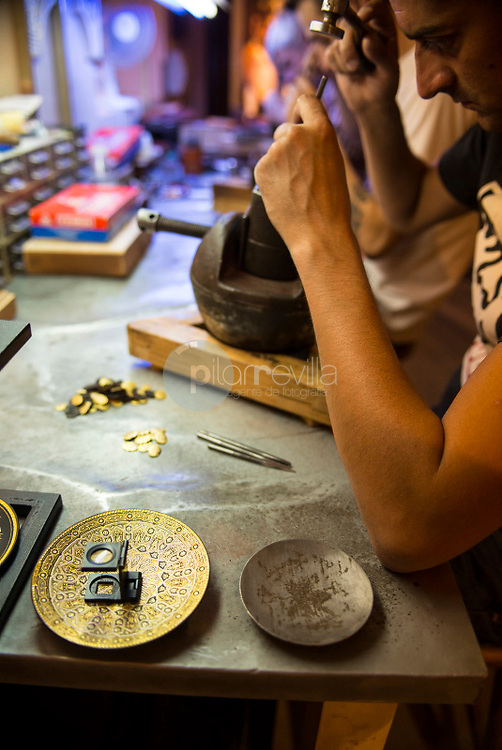 Artesanía de Damasquinado. Toledo ©ANTONIO REAL HURTADO / PILAR REVILLA