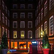 L'ingresso del Apex Temple Court Hotel in Fleet Street a Londra<br /> <br /> The Apex Temple Court Hotel entrance in Fleet Street in London