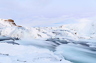 Eis und Schnee beim Wasserfall Gullfoss, Island<br /> <br /> Ice and snow at the waterfall Gullfoss, Iceland