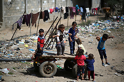 May 22, 2019 - Gaza, gaza strip, Palestine - Palestinian children play outside a house in an impoverished area in Beit Lahia in the northern Gaza Strip on May 22, 2019. (Credit Image: © Majdi Fathi/NurPhoto via ZUMA Press)