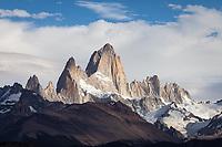 MACIZO DEL CERRO FITZ ROY O CHALTEN (3.405 m.s.n.m.), PARQUE NACIONAL LOS GLACIARES, PROVINCIA DE SANTA CRUZ, PATAGONIA, ARGENTINA (PHOTO © MARCO GUOLI - ALL RIGHTS RESERVED)