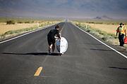 De Bluenose gaat van start tijdens de kwalificaties op maandagmorgen. In Battle Mountain (Nevada) wordt ieder jaar de World Human Powered Speed Challenge gehouden. Tijdens deze wedstrijd wordt geprobeerd zo hard mogelijk te fietsen op pure menskracht. De deelnemers bestaan zowel uit teams van universiteiten als uit hobbyisten. Met de gestroomlijnde fietsen willen ze laten zien wat mogelijk is met menskracht.<br /> <br /> The qualification at Monday morning. In Battle Mountain (Nevada) each year the World Human Powered Speed ??Challenge is held. During this race they try to ride on pure manpower as hard as possible.The participants consist of both teams from universities and from hobbyists. With the sleek bikes they want to show what is possible with human power.