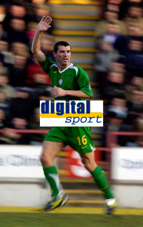 Photo: Jed Wee.<br /> Clyde v Glasgow Celtic. Scottish Cup. 08/01/2006.<br /> <br /> Celtic's Roy Keane makes his debut, creative interpretation.