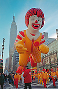 New York, USA, 28/11/2002..Crowds and participants in the annual New York Thanksgiving Day parade............... ..................... . .