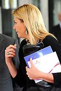 Hare Koninklijke Hoogheid Prinses Máxima der Nederlanden heeft woensdagochtend 29 september de landelijke bijeenkomst van de Stichting Microfinanciering en Ondernemerschap Nederland bij in Media Plaza in Utrecht bijgewoond.<br /> <br /> Tijdens de bijeenkomst gaat de Prinses in gesprek met een aantal ondernemers over hun ervaringen met het verkrijgen van een microkrediet. Verschillende ondernemers vertellen hoe zij hebben geprofiteerd van de goede begeleiding door een coach. Er worden diverse voorbeelden gepresenteerd. De heer Laman Trip, voorzitter van de Raad voor Microfinanciering, houdt een toespraak tijdens de opening van de bijeenkomst.