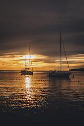 THEMENBILD - Segelboote ankern bei Sonnenuntergang vor der Küste, aufgenommen am 03. Juli 2020 in Novigrad, Kroatien // Sailing boats anchor off the coast at sunset in Novigrad, Croatia on 2020/07/03. EXPA Pictures © 2020, PhotoCredit: EXPA/ JFK