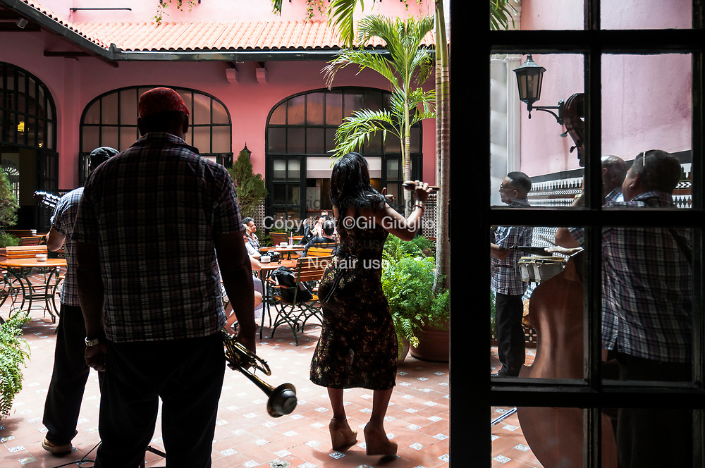 Cuba, La Havane, quartier Habana Centro, hôtel Mercure Sevilla classé monument historique // Cuba, Havana, Havana Centro quarter, Mercure Sevilla hotel at historical monument label