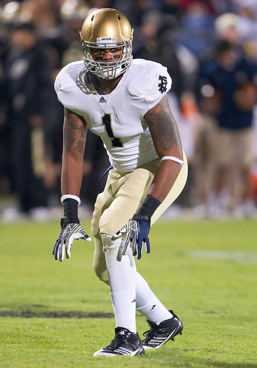 October 01, 2011:  Notre Dame outside linebacker Ishaq Williams (#1) during NCAA Football game action between the Notre Dame Fighting Irish and the Purdue Boilermakers at Ross-Ade Stadium in West Lafayette, Indiana.  Notre Dame defeated Purdue 38-10.