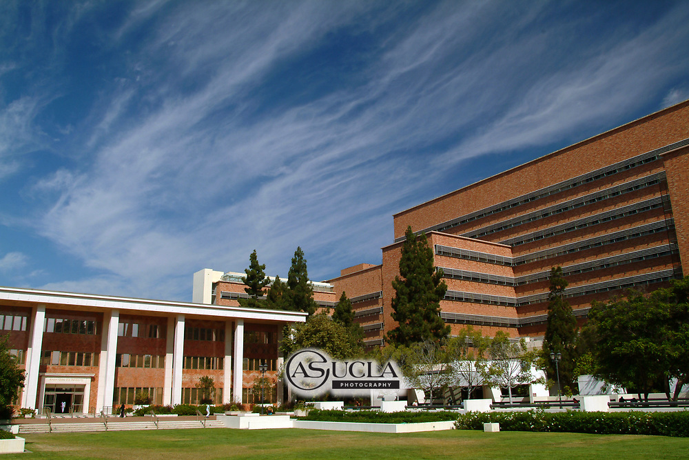 ASUCLA Photography Archive -  Exterior image of the UCLA School of Medicine, CHS Building, UCLA Campus. University of California Los Angeles, Westwood, California.<br /> <br /> Copyright: ASUCLA