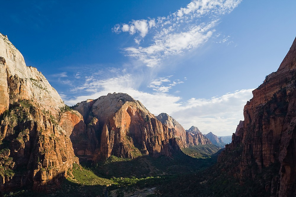 The giant red sandstone cliffs of Zion Canyon, Zion National Park, Utah.