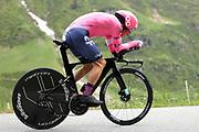 Radrennfahrer Rigoberto Uran anlässlich der Tour de Suisse 2021. Etappe 7 – Zeitfahren Sedrun-Oberalppass-Andermatt. Fotostandort Selva, 12. Juni 2021.