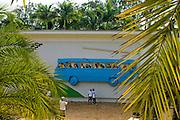 Brumadinho_MG, Brasil...Museu de Arte Contemporanea de Inhotim (CACI). Na Foto a obra Atraves de Cildo Meireles. Na foto a obra Rodoviaria de Brumadinho de John Ahearn e Rigoberto Torres...Inhotim Contemporary Art Museum (CACI). In this photo the art Atraves of Cildo Meireles. In this photo the art Rodoviaria de Brumadinho of John Ahearn and Rigoberto Torres...Foto: JOAO MARCOS ROSA / NITRO