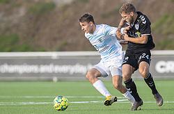 Oliver Kjærgaard (FC Helsingør) kæmper med Denis Fazlagic (Kolding IF) under kampen i 1. Division mellem FC Helsingør og Kolding IF den 24. oktober 2020 på Helsingør Stadion (Foto: Claus Birch).
