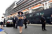 Koningin Maxima doopt cruiseschip Holland America Line