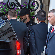 NLD/Amsterdam/20150603 - Maroon5 verlaat hun hotel in, Adam Levine