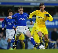 Barclaycard Premiership<br />Everton v Leeds United (01/02/03)<br />Leeds Erik Bakke and Everton's Richard Naysmith<br /><br /><br />Photo: Aidan Ellis.