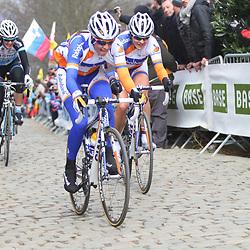 Sportfoto archief 2013<br /> Tour of Flanders women Oude Kwaremont Lucinda Brand. Liesbet de Vocht