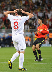 18.01.2010, Green Point Stadium, Cape Town, RSA, FIFA WM 2010, England (ENG) vs Algeria (ALG), im Bild Frank Lampard of England rues a missed chance on goal. EXPA Pictures © 2010, PhotoCredit: EXPA/ IPS/ Marc Atkins / SPORTIDA PHOTO AGENCY