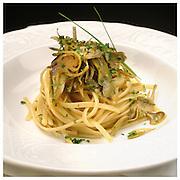 Le Ricette Tradizionali della Cucina Italiana.Italian Cooking Recipes. Trenette ai carciofi